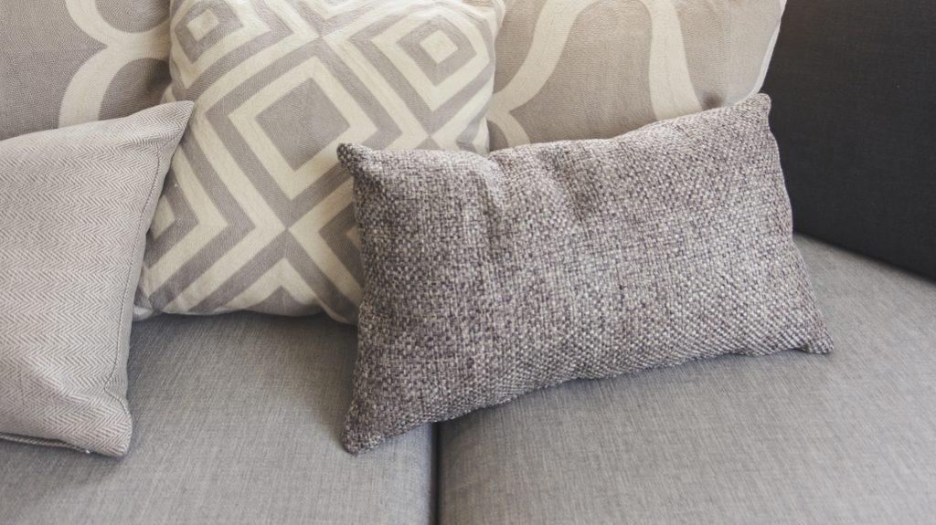 consigli tessuti divani amahome